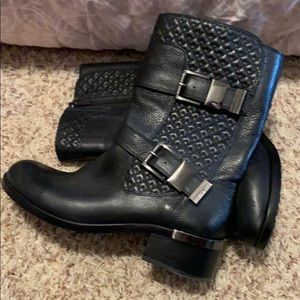 Worn once Vince Camuto boot